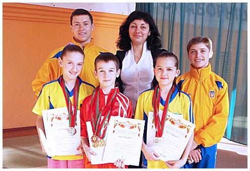 Екатерина Винниченко и ее воспитанники на открытом первенстве Белоруссии по спортивному ушу.