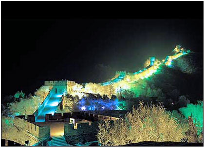Великая Китайская стена ночью