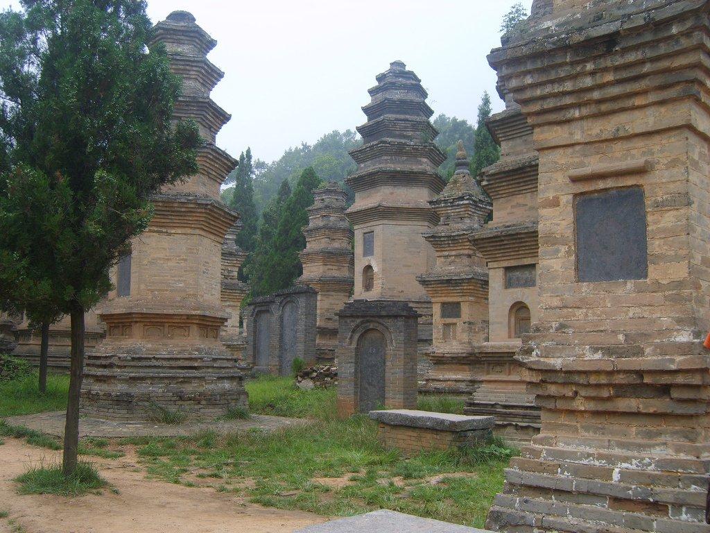 Мемориалы умерших монахов
