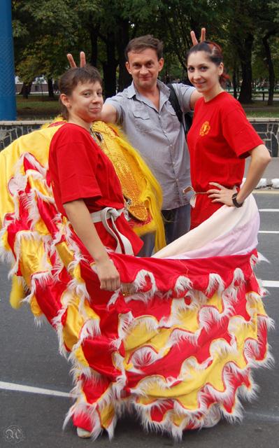 Участники сборной Украины по ушу таолу Булыгина Виктория и Савченко Виолетта